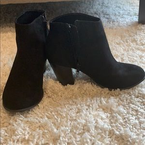 Old Navy booties. Size 7